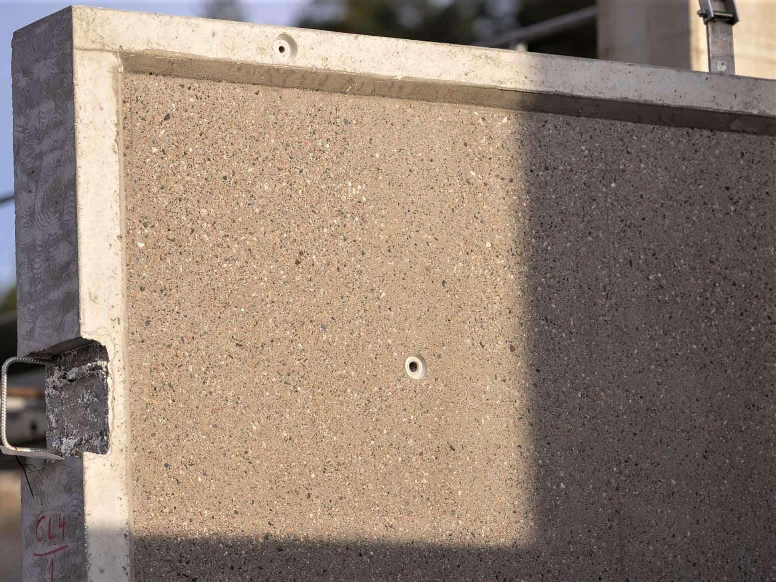Hienopesty parvekkeen askelpinta